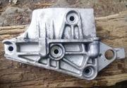 Кронштейн двигателя правый рено 1.5 dCi 8200408663
