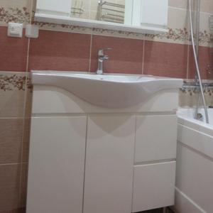 Продается комплект мебели для ванной Ювента