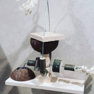 Игрушки-фуражилки для крупных, средних попугаев