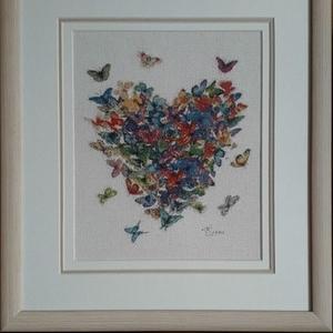 Картина «Сердце из бабочек»,  ручная работа.