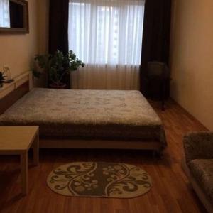 Квартира в аренду на Часы ул.Воронянского-15