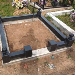 Ограда на кладбище из гранита под ключ. Лида и рн