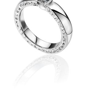 Продам кольцо с бриллиантом. Все документы прилагаются.