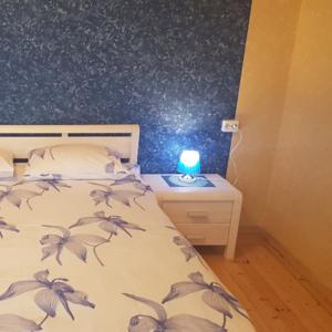 Сдам уютную светлую 2-х комнатную квартиру на длительный срок рядом с