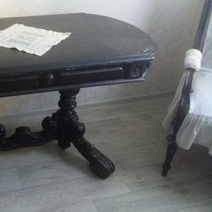 Резной комплект для гостиной - стол,  два кресла,  три стула,  диванчик