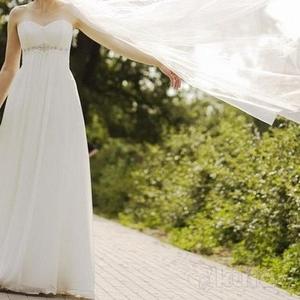 Нежное свадебное платье,  отлично подчёркивает фигуру