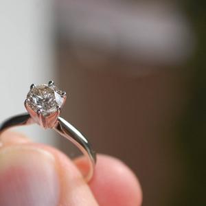 Кольцо с бриллиантом в 1 карат